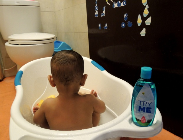 We can use bathing time to have more skin-to-skin touch. More bonding time, more sensory stimulation and healthy development.
