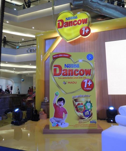 DANCOW 1+ adalah Susu Pertumbuhan untuk anak usia 1 – 3 tahun.
