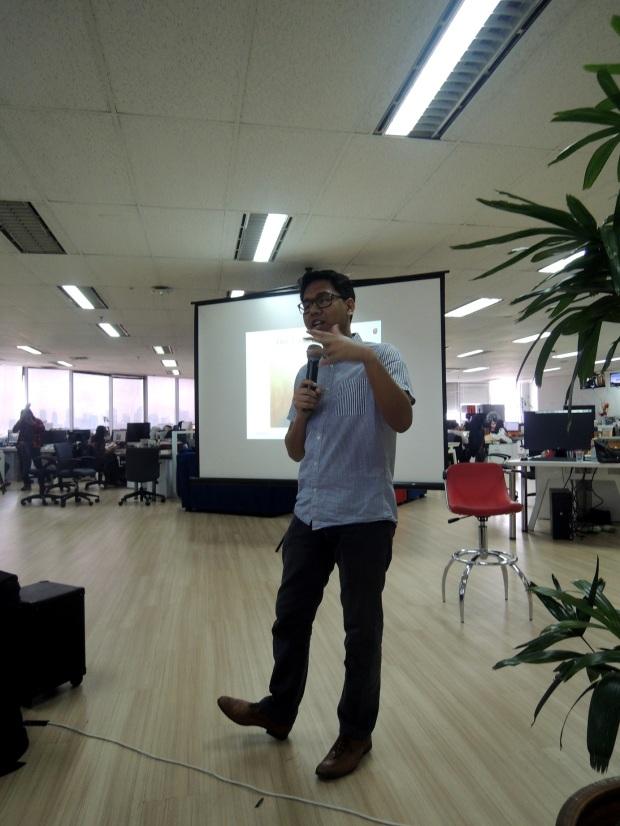 Iman Usman yang sangat menginspirasi. Menggunakan teknologi dan internet untuk mendorong kemajuannya.