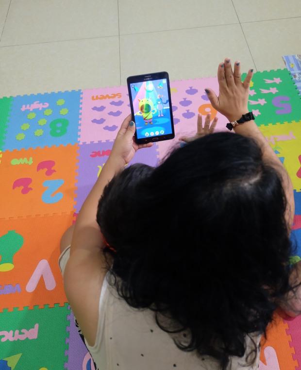 Games yang bisa bikin anak dance sana-sini :P Bisa pasang foto segala lho!