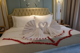 Art Deco Luxury Hotel Bandung bed interior 2